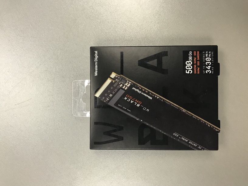 Western Digital Black SN750 NVMe 500GB (поврежденная упаковка)