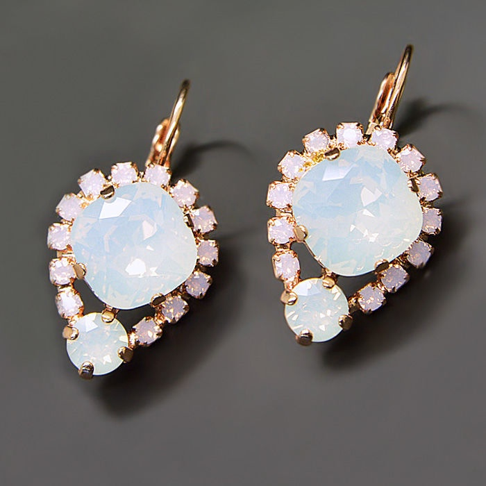 Diamond Sky Earrings With Crystals From Swarowski Diva II Air Blue Opal