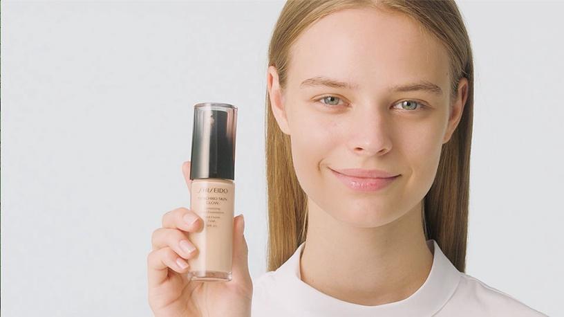 Tonizējošais krēms Shiseido Synchro Skin Glow Luminizing Fluid Foundation SPF20 R3 Rose, 30 ml