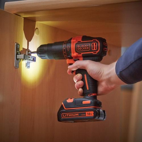 Akumulatora skrūvgriezējs - urbis Black & Decker BDCHD18K-QW