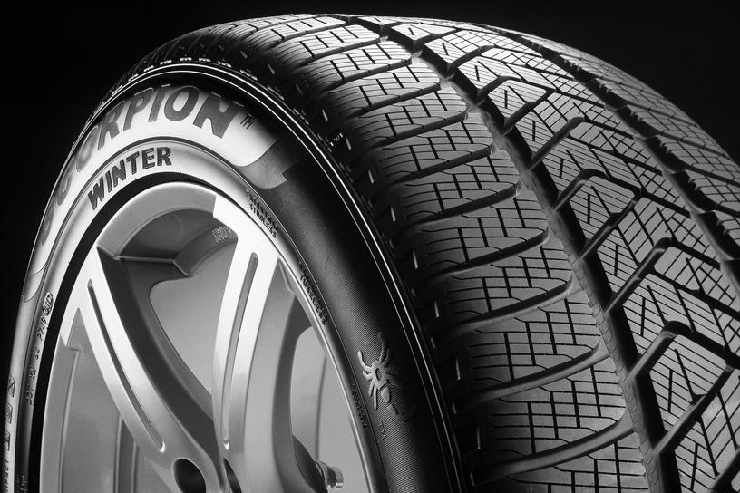 Ziemas riepa Pirelli Scorpion Winter, 255/40 R21 102 V XL