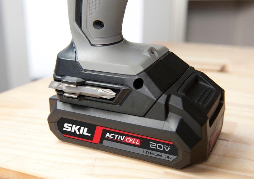 Akumulatora skrūvgriezējs - urbis Skil F0152842AA