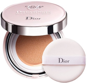 Tonizējošais krēms Christian Dior Capture Totale Dreamskin Perfect Skin Cushion SPF50 Medium - Neutral Udertone, 30 ml