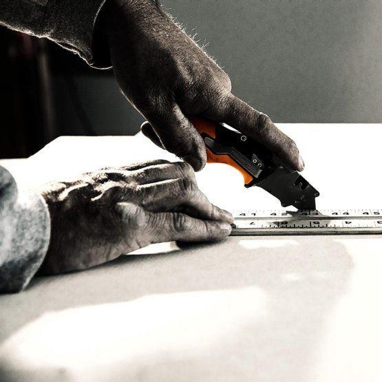 Нож Fiskars CarbonMax 160mm
