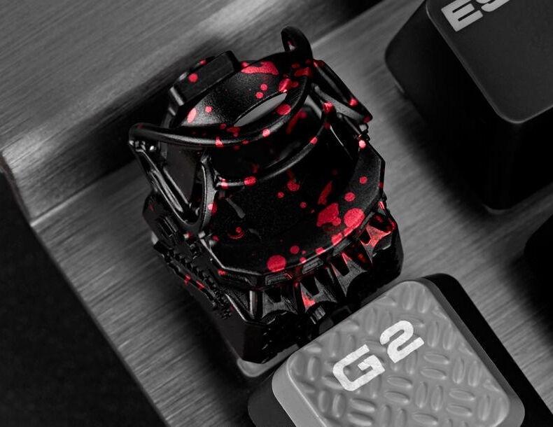 Zomoplus Saw Themed Bear Trap Aluminum Keycap Black/Red