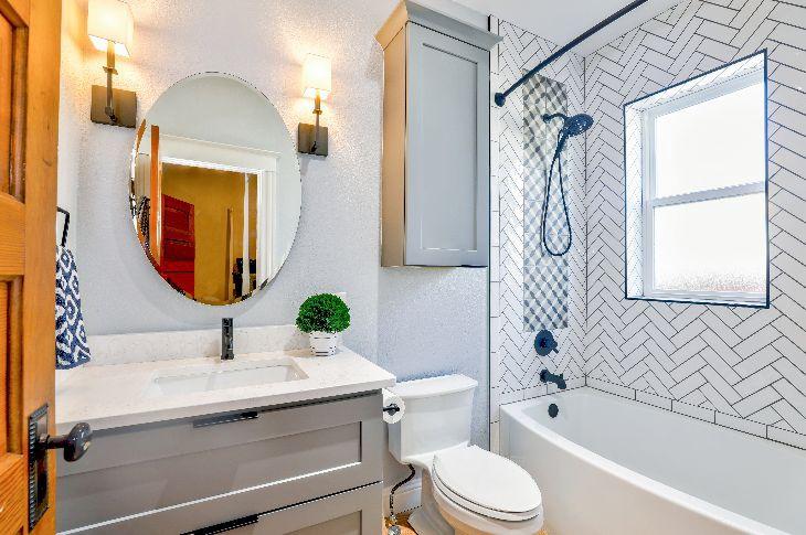 mazas vannas istabas remonts